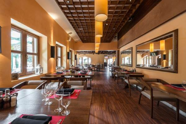 Restaurant Cleaning by Urgent Property Services